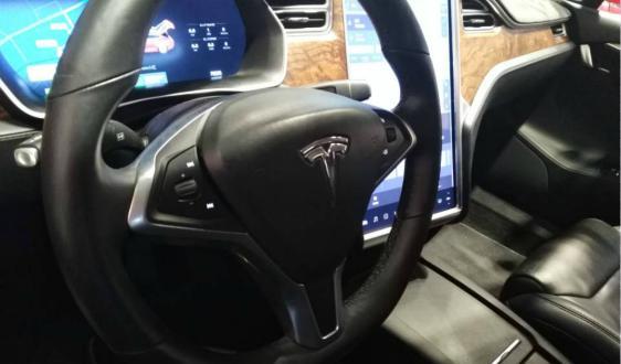 全球首款北斗高精度定位智能车上市 网联汽车启新程