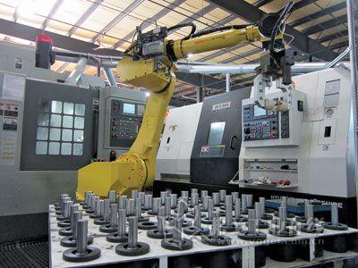 智能装备 论数控机床与机器人的集成应用