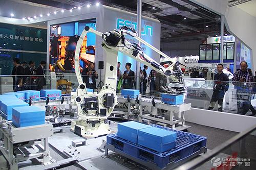 工业4.0智能机器人技术融入生产系统